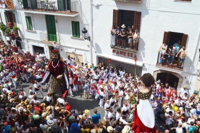 El protocol de Festa Major de Sitges s'adapta a la declaració de Festa Patrimonial d'Interès Nacional. Ajuntament de Sitges