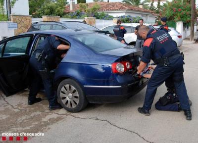 Els Mossos desarticulen al Vendrell una organització especialitzada en el robatori i tràfic de motos. Mossos d'Esquadra