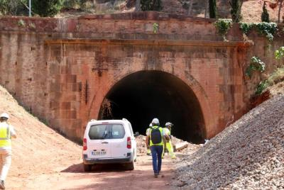 Imatge exterior de l'antic túnel de Castellbisbal el 21 d'agost de 2019. ACN