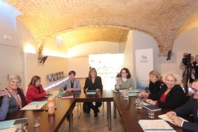 La presidenta de la Diputació de Barcelona, Núria Marín, durant la segona reunió del Consell d'Alcaldies del Garraf . Òscar Ferrer/Diputació