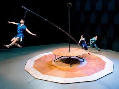 El Fes+Chapeau es trasllada a Sitges convertit en Re-Evoluciona, una nova proposta de música, dansa i circ
