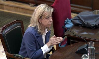 L'expresidenta de l'AMI i alcaldessa de Vilanova i la Geltrú, Neus Lloveras, declarant com a testimoni al Tribunal Suprem el 24-4-19 . Tribunal Suprem