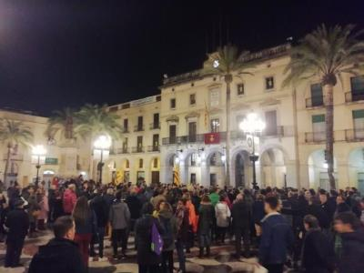 Manifestació a Vilanova contra les detencions pels talls de l'AVE l'aniversari de l'1-O. CUP Vilanova