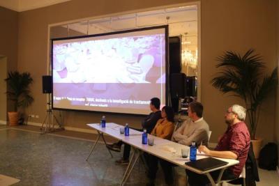Pla general de diferents representants del Festival Jardins de Terramar de Sitges durant la presentació dels resultats de l'edició del 2019. ACN