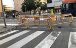 S'obre un esvoranc a la calçada del carrer Josep Coroleu de Vilanova