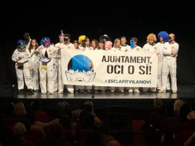 Boicot dels Coros d'en Carnestoltes al Teatre Principal per reclamar un espai jove a la ciutat. EIX