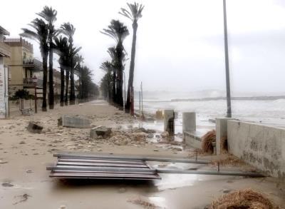 Cubelles estima que en una setmana es restablirà la normalitat després del temporal Glòria
