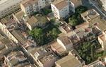 La caiguda d'un xiprer deixa a la vista una masia del s. XVIII en ple nucli antic de Vilanova