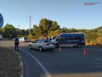 Mossos i Policies Locals intensifiquen els controls per prevenir robatoris en domicilis del Baix Llobregat i del Garraf. Mossos d'Esquadra