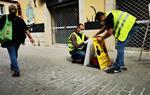 Vilanova senyalitza carrers i avingudes per garantir la distància de seguretat entre vianants