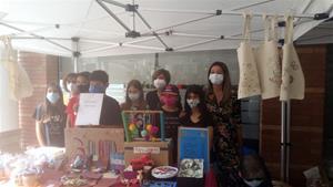 Cinc cooperatives escolars venen els seus productes als mercats setmanals de Sant Pere de Ribes