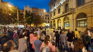 Concentració a Igualada en suport a l'expresident Puigdemont després de la seva detenció a l'Alguer