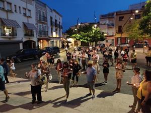 Desenes de persones es manifesten a Cunit contra els assassinats masclistes