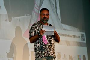 El director català Marc Ferrer i la madrina de la mostra, Itziar Castro, inauguren l'Endimaris Sitges