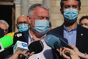 Els alcaldes del Baix Penedès es planten davant la Generalitat: