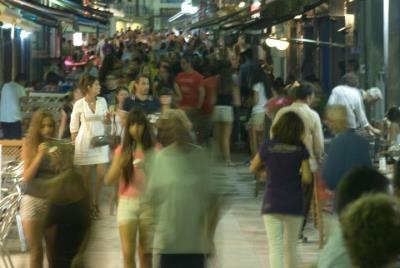 La fiscalia denuncia tres negocis de Sitges per contaminació acústica i acusa els tècnics municipals de prevaricació. EIX