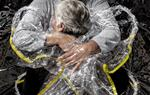 La fotografia 'The First Embrace', de Mads Nissen, premi World Press Photo de l'any 2021. ACN