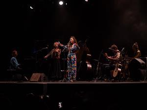 La veu de Sílvia Pérez Cruz sedueix els Jardins de Terramar de Sitges