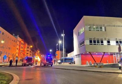 L'Ajuntament de Vilanova i la Geltrú rebutgen les destrosses i saquejos de comerços de la nit de dimecres. Ajuntament de Vilanova