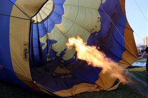 Més de 30 globus s'enlairen a Igualada per celebrar el 25è aniversari de l'European Balloon Festival
