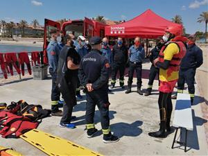 Sitges millora el servei de salvament a les platges i ofereix formació als bombers