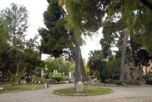 El govern de Vilanova i la Geltrú estudia la municipalització del servei de jardineria.