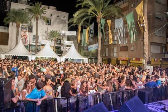 L'organització del Tingladu ha anunciat aquesta setmana que suspendrà el festival si l'Ajuntament els obliga a canviar de lloc, arran de la sentència contra el Nowa Reggae.