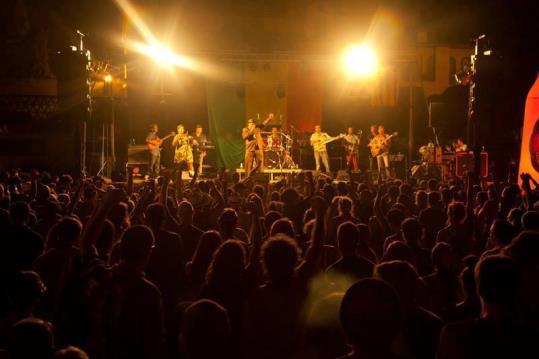 El Tribunal Superior anul·la la llicència al Nowa Reggae per molèsties provocades als veïns. L'Ajuntament de Vilanova i la Geltrú i l'organització del festival busquen una nova ubicació per al festival.