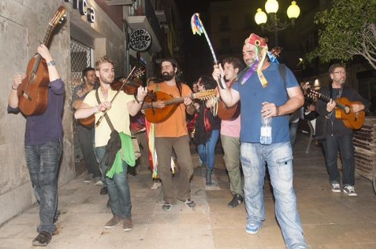 FIMPT 2012, La ronda de músics pels carrers de a ciutat. María García..