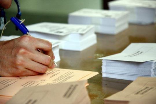 Després de dues setmanes de mítings, debats i entrevistes amb els candidats, creus que els partits aconsegueixen canviar la intenció de vot de la ciutadania?